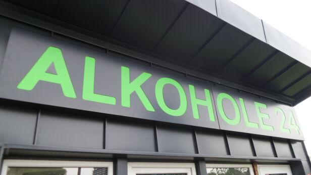 Ratusz chce ograniczyć sprzedaż alkoholu tvnwarszawa.pl