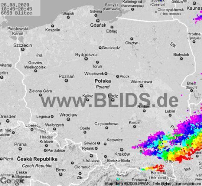 Ścieżka burz nad Polską (godz. 18.45-20.45) (blids.de)