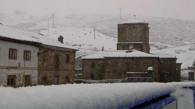 Północ Hiszpanii pod grubą warstwą śniegu