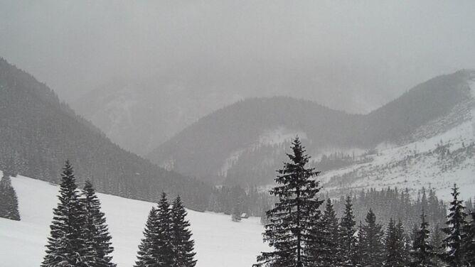 Duże ryzyko, że zejdą lawiny. Polskie góry pod grubą warstwą śniegu