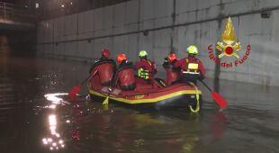 Ogromna ulewa zalała drogi w Palermo na Sycylii